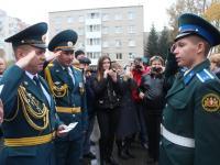 Кадетам вручили удостоверения сотрудники МЧС России